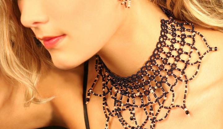 Prohřešek není odlišný vkus, ale špatné skladování šperků, říká šperkařka Jana Piarová
