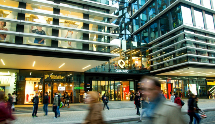 Po šesti letech se na Národní třídě otevřelo nové nákupní centrum