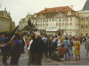 Listopad 1989 podle Hutky lidem ukázal, že mohou změnit historii