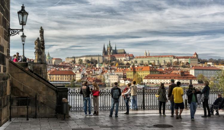 V Praze bylo loni poprvé více než 6 milionů turistů, láká je architektura i gastronomie