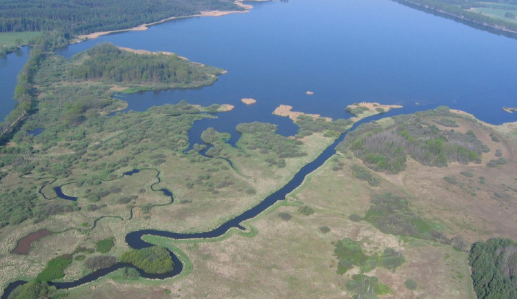 LETNÍ ZAJÍMAVOSTI: Výlet ke třem největším českým rybníkům jde zvládnout i za jeden den