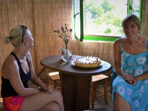 Utekla před stresem do rumunského Banátu. Helena Kovářová osladila místním i turistům život.