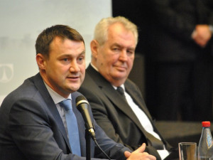 Podpořili Drahoše, na inauguraci pozvánku z Hradu nedostali. Pozval je až šéf sněmovny