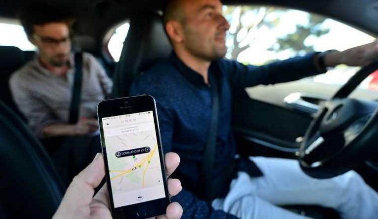 Kauza Uber: Protesty taxikářů chápe čím dál méně lidí