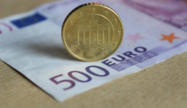 KOMENTÁŘ: Dvě hodiny na vrácení vyměněných peněz ve směnárně? Špatný nápad a Pandořina skříňka