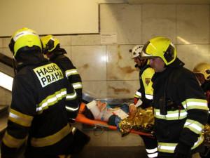 Teroristé zaútočili na civilisty v pražském metru. Naštěstí šlo jen o cvičení