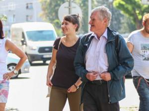"""Olomoučtí bezdomovci provázejí """"městskou divočinou."""" Podívejte se na fotky z prohlídky"""