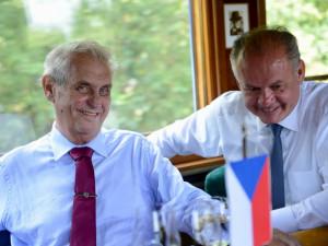 Zeman s Kiskou vyrazili z Hodonína parním vlakem do Topoľčianek.