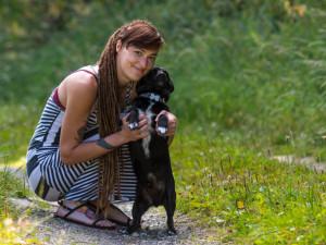 Ráda bych pomáhala i hospodářským zvířatům, říká vedoucí Šance zvířatům Františka Zverková.