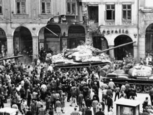 Jak to celé bylo. Invazi ohlásila letadla nad Ještědem a tanky v ulicích