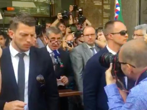 VIDEO: Česká republika si připomíná okupaci 1968, Babiše u Českého rozhlasu vypískali