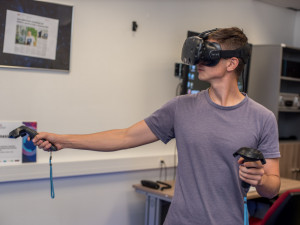 Virtuální realita jako pomocník manažerů i léčba strachu z pavouků nebo výšek.