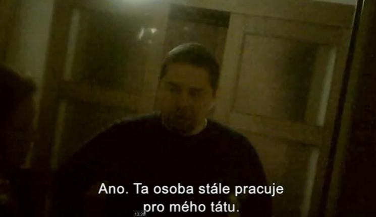 Můj otec lže, chci vypovídat o svém únosu, napsal reportérům Seznamu syn Andreje Babiše