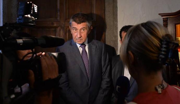 KOMENTÁŘ: Trestní oznámení na novináře kvůli rozhovoru s Babišovým synem je hra na efekt
