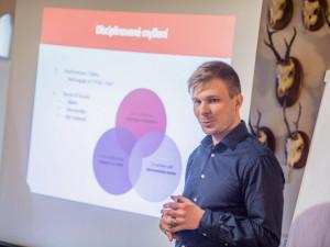 Česko - bavorský projekt má motivovat studenty k podnikání. Svým příběhem přispěl i zakladatel Drbny.