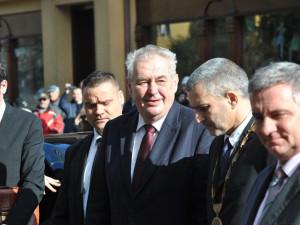 Zeman: Ve zprávě BIS nejsou důkazy o ruských a čínských špionech