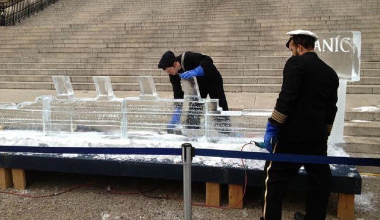 Na Moraváku vznikne ledová socha Titanicu. Sochař ji vyřeže z více než tuny ledu