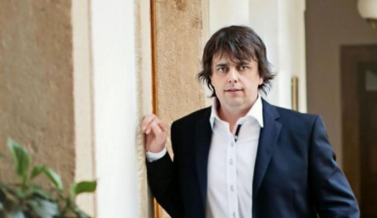 Policie žádá Sněmovnu o vydání Roznera k stíhání za výroky o romském táboře v Letech