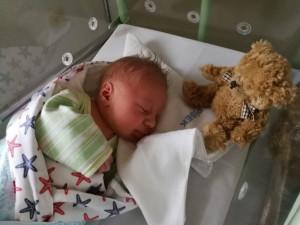 První letošní miminko narozené v tuzemsku se jmenuje Tomášek.