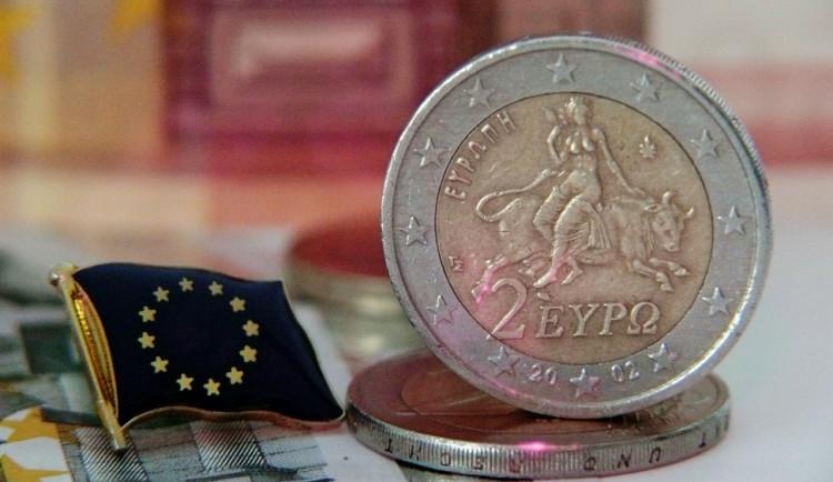 KOMENTÁŘ: Opravdu někdo věří, že Řecko splatí dluhy?