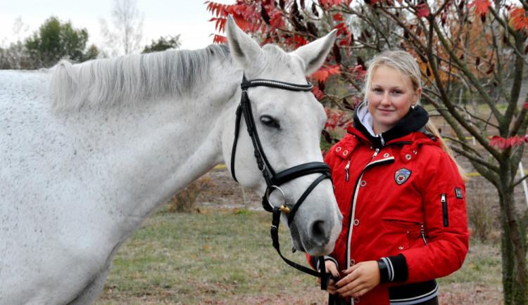 (NE)OBYČEJNÍ: Nejkrásnější pohled na svět je skutečně z koňského hřbetu, říká jezdkyně Eliška Orctová