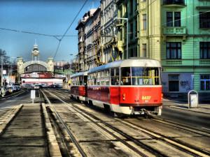 Statisíce lidí ve městech spí v hluku, v Praze přes milion