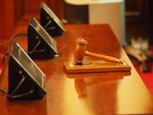 Hradecký krajský soud rozhodl 8 z 29 žalob čínských křesťanů