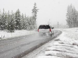 Na horách v hradeckém kraji napadl sníh, čeká se silný vítr