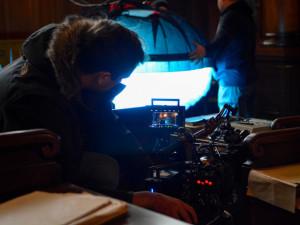V Liberci se chystá natáčení seriálu s Kylem MacLachlanem a Sofií Helin. Hledá se kompars