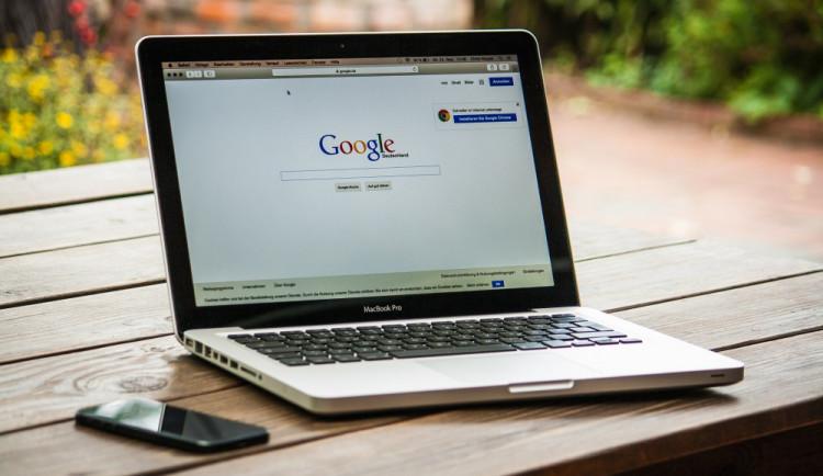KOMENTÁŘ: Rychlý internet v obcích? Memorandum obcí nad Prahou ukazuje, jak na to