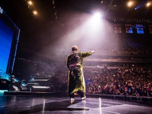 V Praze dnes vystoupí Elton John na jeho údajně posledním turné