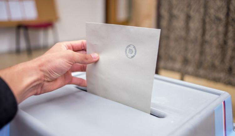 VOLEBNÍ MODEL: Sněmovní volby by vyhrálo ANO, TOP 09 pod pěti procenty