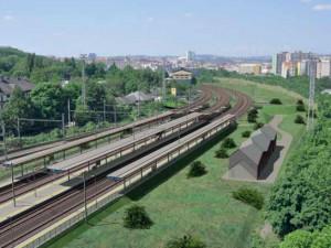 Na hostivařské trati nastal další milník. Začala rekonstrukce železniční stanice Praha-Vršovice.