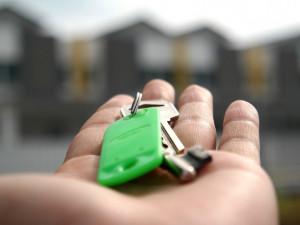 Kupujete byt či dům? Pozor na rezervační smlouvu