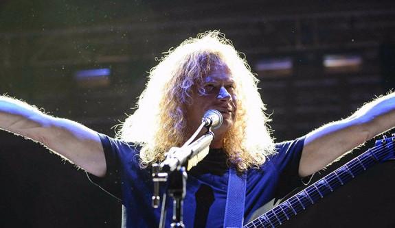 Legendární Dave Mustaine z kapely Megadeth bojuje s rakovinou