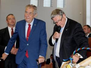 FOTO, VIDEO: Prezident Zeman přijel na Vysočinu. V kraji stráví celkem tři dny