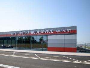 Nový terminál na letišti.