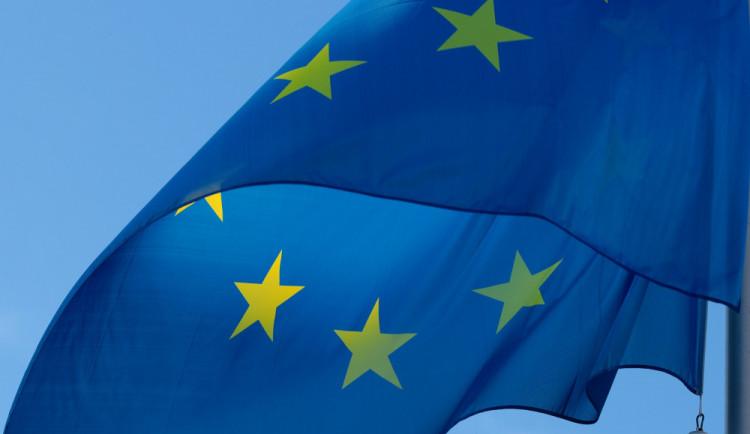 Lidé vidí přínos EU pro Česko, osobní prospěšnost ale vnímají méně