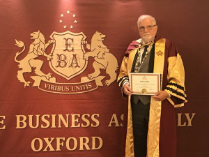 Pochybné ocenění z Oxfordu pro prezident Svazu průmyslu. Ukrajinská společnost parazituje na jméně slavné univerzity.