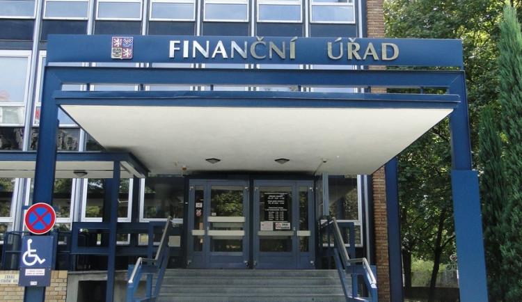 NKÚ: Daňová struktura je složitá, roste administrace i náklady