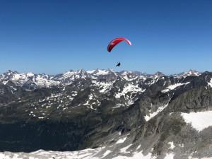 Pohledy, které se naskytnou při paraglidingu, jsou neskutečné.