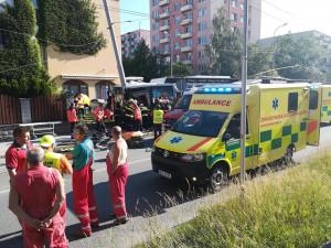 Nehoda trolejbusu.