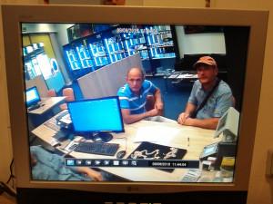 VIDEO: Dva muži prodali padělky šperků za necelých půl milionu korun. Pátrá po nich policie