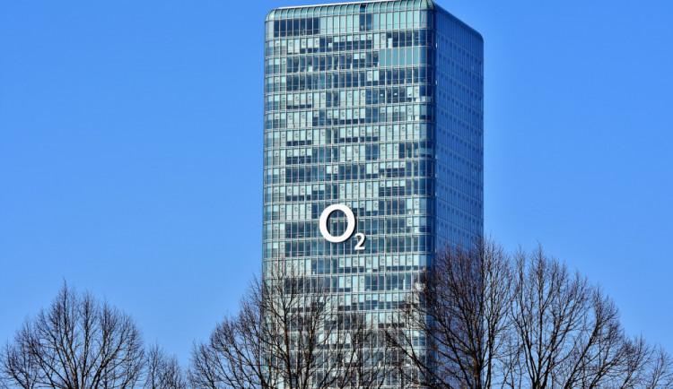 O2 chce od státu 106 milionů za služby pro postižené a budky