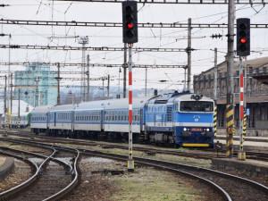 České dráhy na konci léta posílí dopravu o tisíce míst
