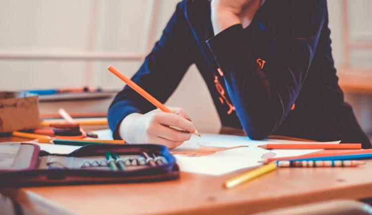 Inspekce: Učitelé cizích jazyků často vystudovali jiný obor