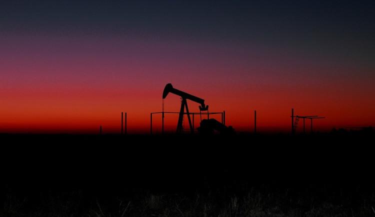 Ropný trh je po útoku v nebezpečné situaci, čeká se zdražení ropy