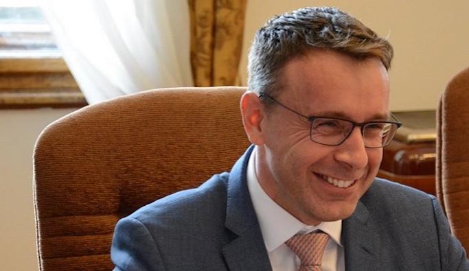 Babiš kritizoval Kremlíka za předbíhání fronty Gottových fanoušků