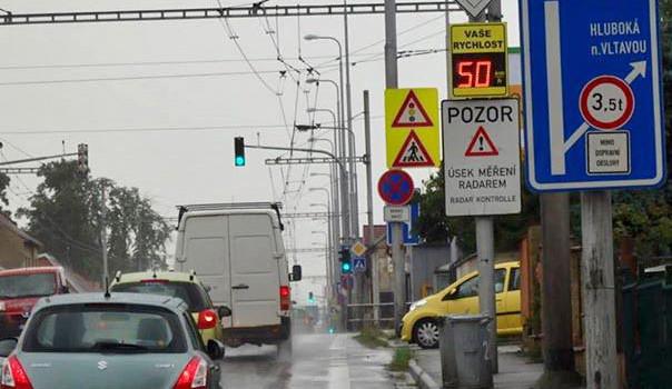 Varnsdorf ukládá řidičům pokuty nezákonně, míní ombudsman