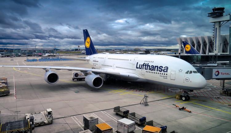 Začíná platit zimní letový řád, z Prahy se bude létat do 121 míst